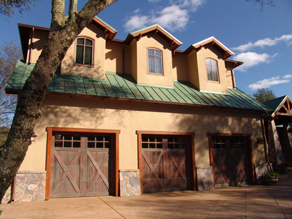 CARRIAGEDOOR Wood Garage Doors